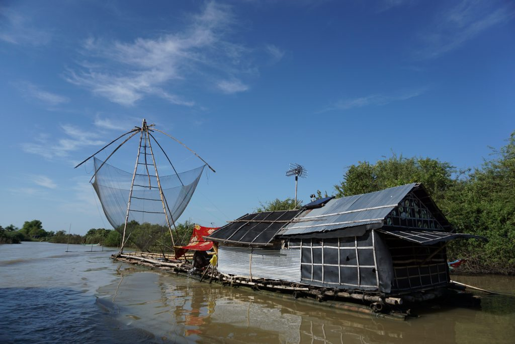 Pescadería flotante en el Tonle Sap, Camboya