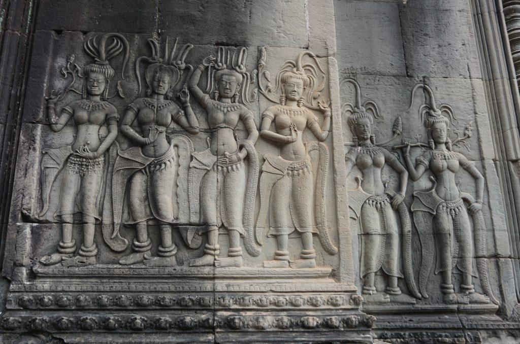 Devatas Angkor Wat