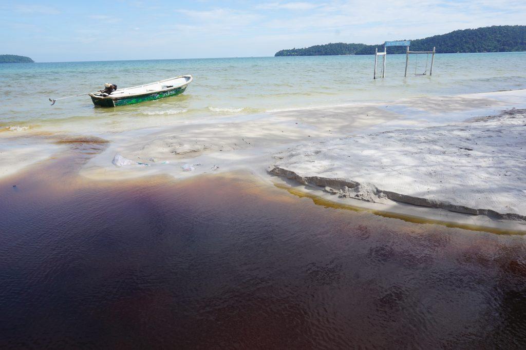 Agua sucia en Koh Rong Samloem