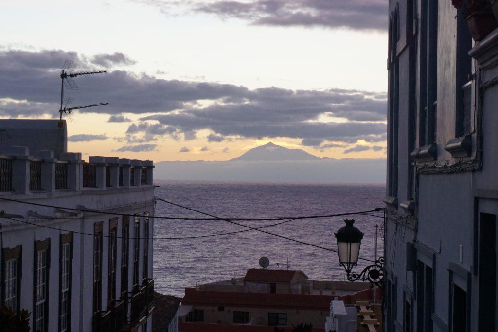 Vistas del Teide desde Santa Cruz de La Palma