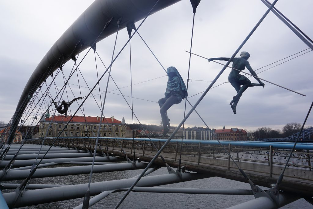 Puente Bernateck, Cracovia