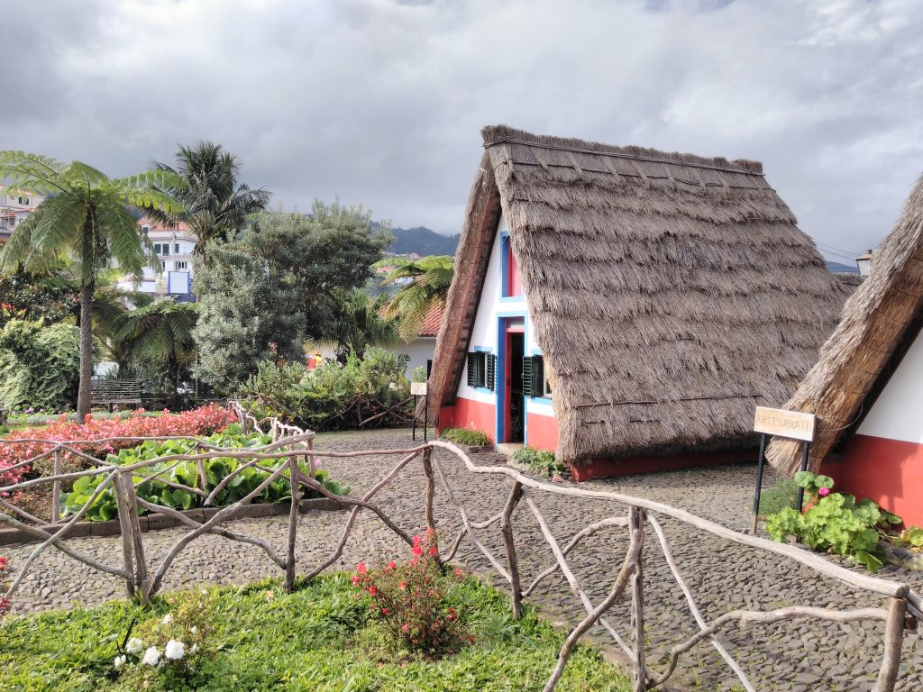 Casas típicas de Madeira en Santana