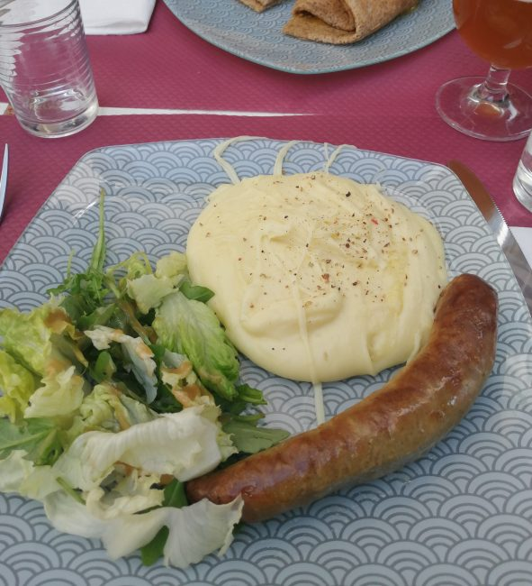 Salchicha de Toulouse y aligot