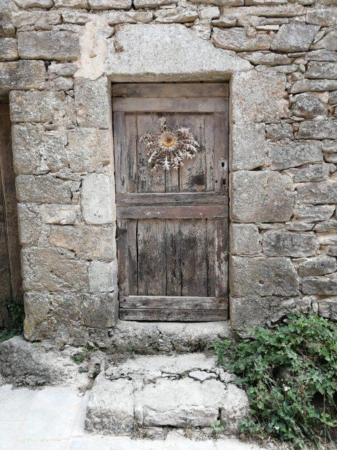 Le Couvertoirade, amuletos contra las brujas