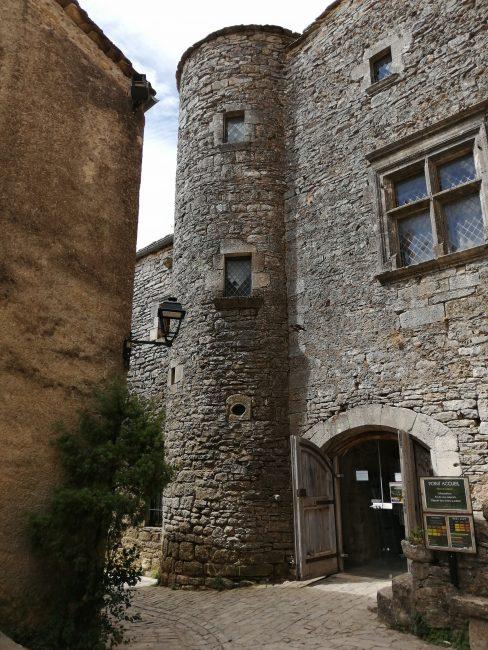 Oficina de turismo de La Couvertoirade, Occitania