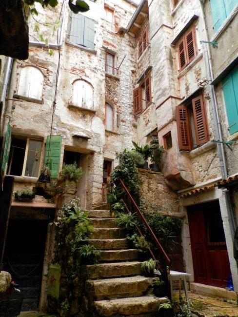 Callejones de Rovinj. Península de Istria, Croacia.