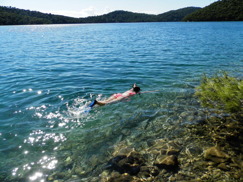 Haciendo snorkel en el Parque Nacional de Mljet, Croacia