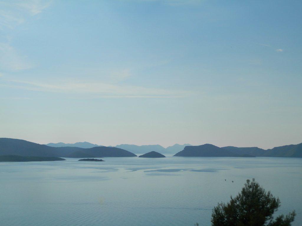 Vistas desde la carretera de la costa dálmata, Croacia