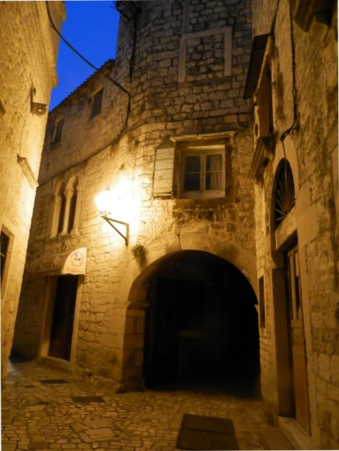 Callejuelas de Trogir, Croacia