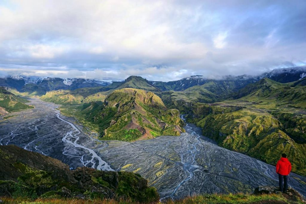 Vistas desde la cima del Mt. Valhanukur