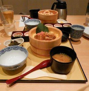 Japón Donburi en Kanazawa