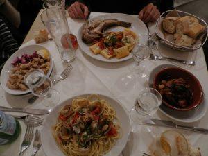 Cena típica napolitana