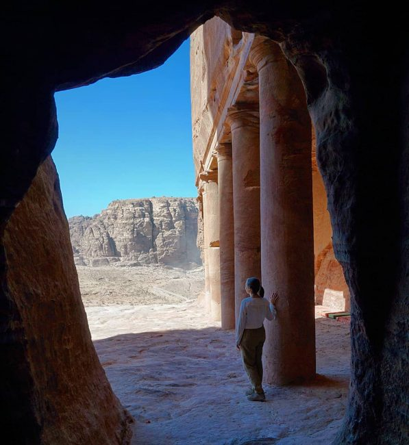 Tumba de la Urna, Petra
