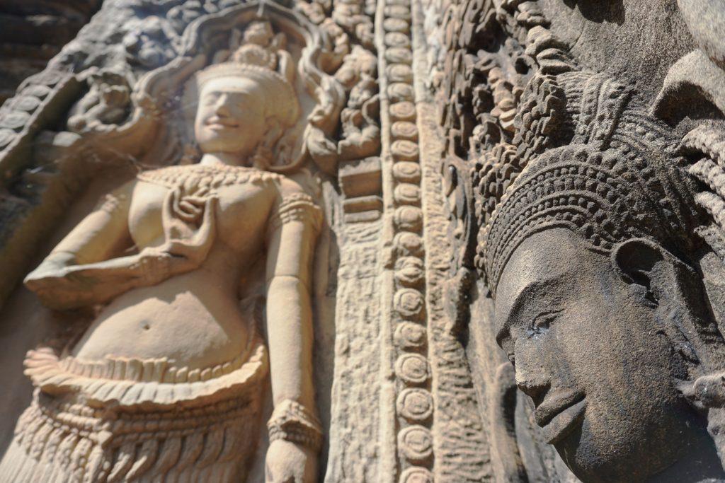 Sonrisas de Apsaras en el templo Thommanon