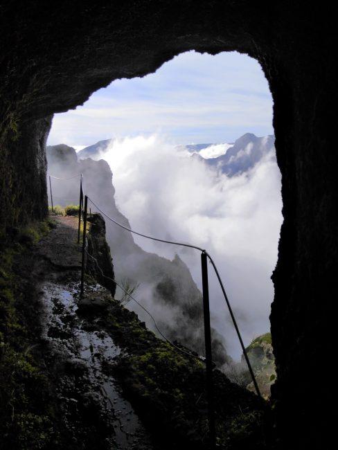 Recomendable frontal para cruzar los túneles