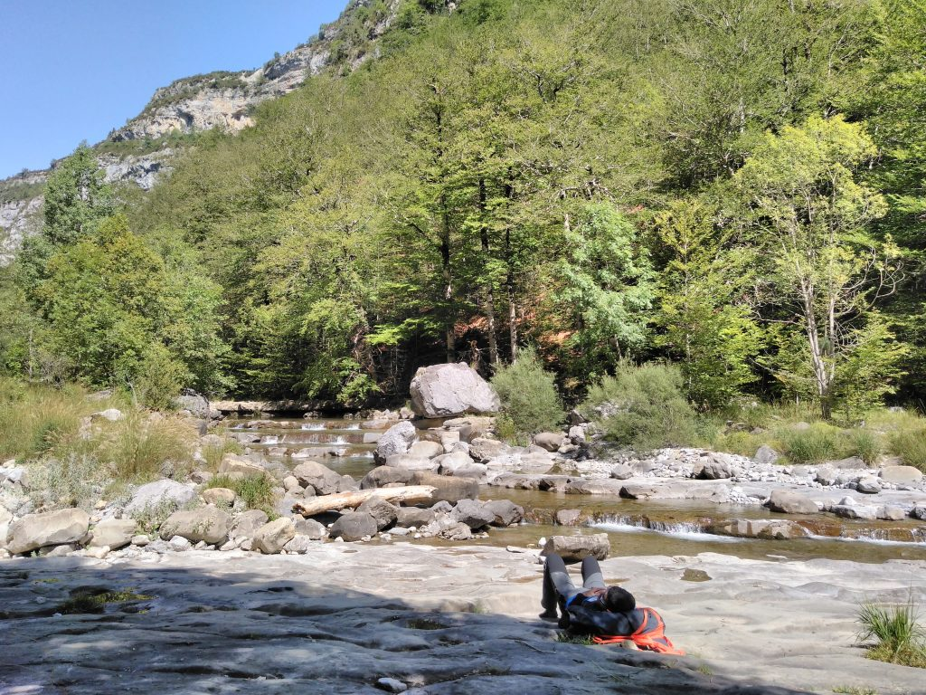 Pirineos, descansando en el interior del Cañón de Añisclo