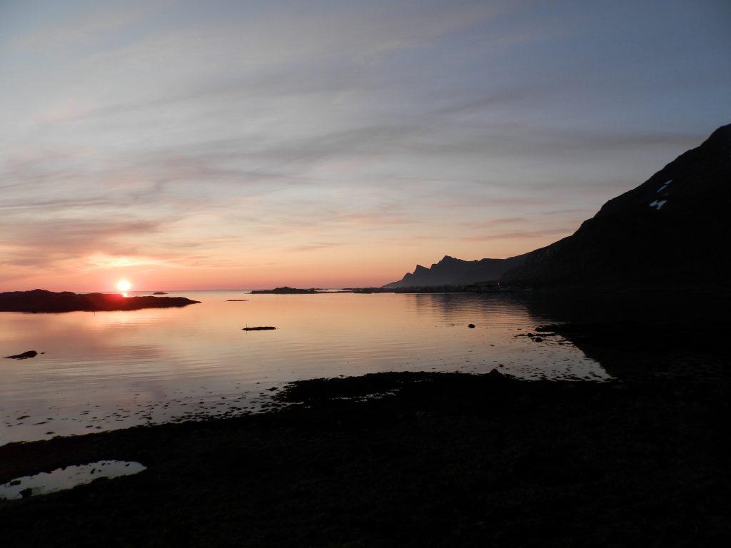 Noruega Islas Lofoten Sol de Medianoche