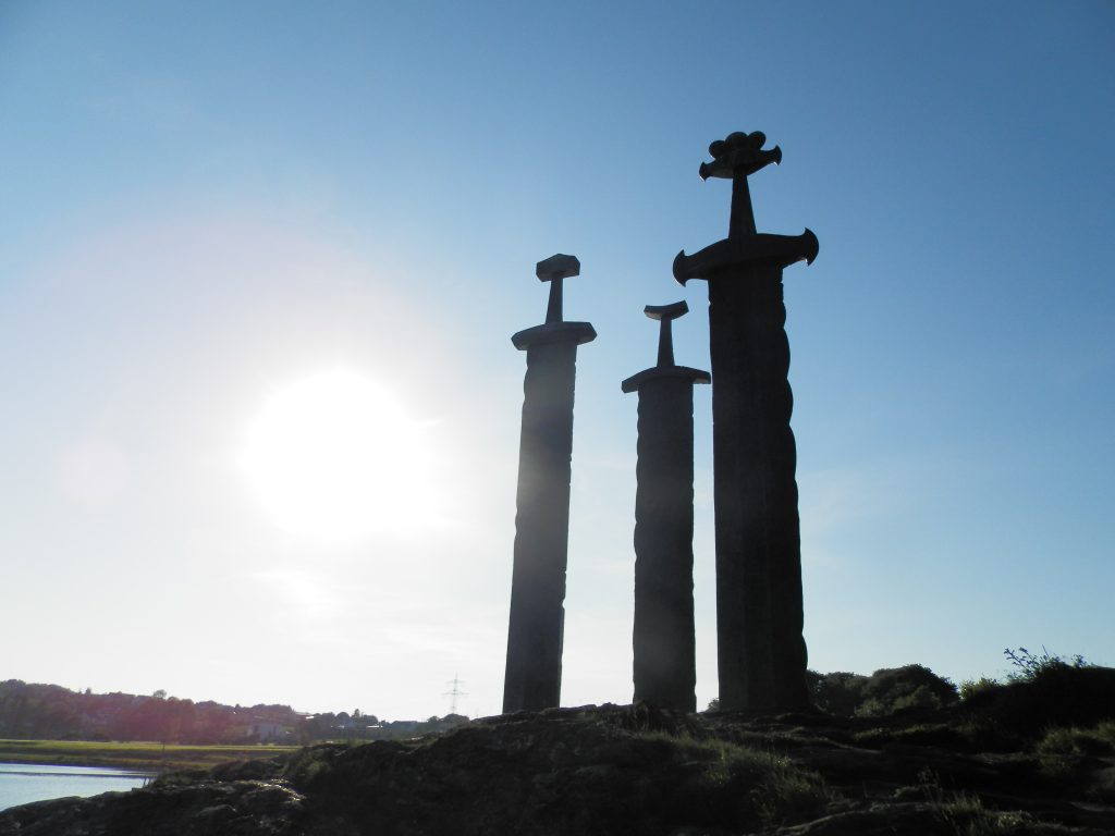 Noruega Fiordos Las Tres Espadas