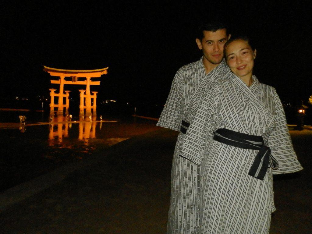Japón, Paseo nocturno por Miyajima